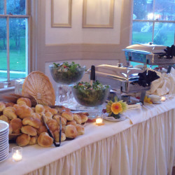 catering_offsite_buffet1